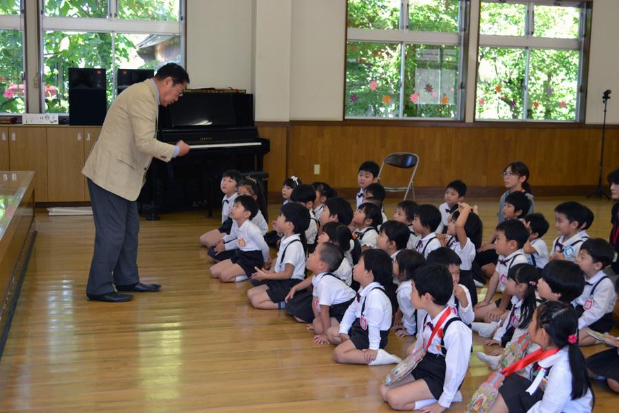 上宮第二幼稚園 「お誕生会」_d0353789_17260341.jpg