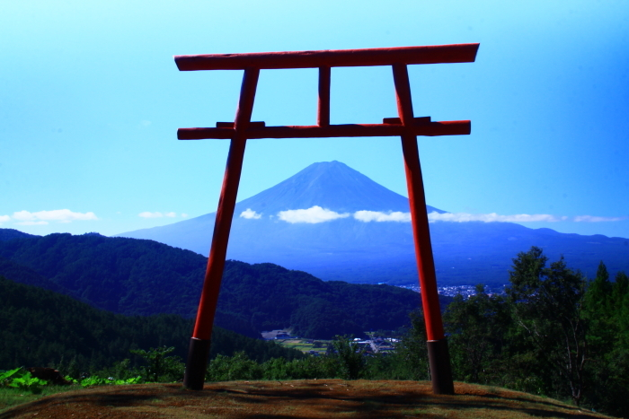 令和元年9月の富士(25)河口浅間神社の鳥居と富士_e0344396_16563325.jpg