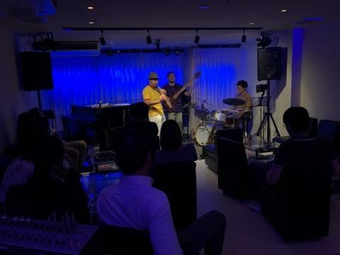 広島 Jazzlive Comin ジャズライブ カミン 10月のオススメライブ_b0115606_11272614.jpeg