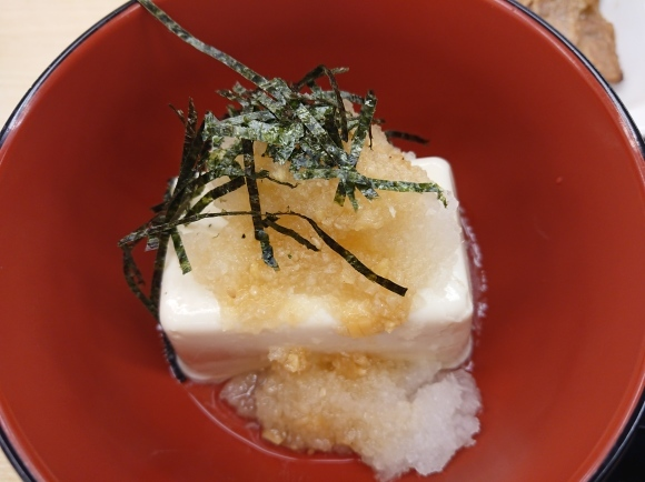9/27 牛カルビ焼肉定食塩だれ豆腐チェンジ¥700 @松屋_b0042308_00551570.jpg