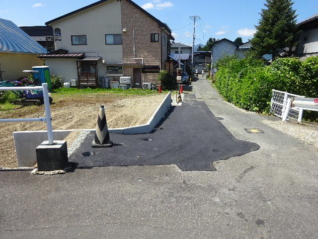 仙北町の家 敷地外周の擁壁工事が進行中。_f0105112_05074546.jpg