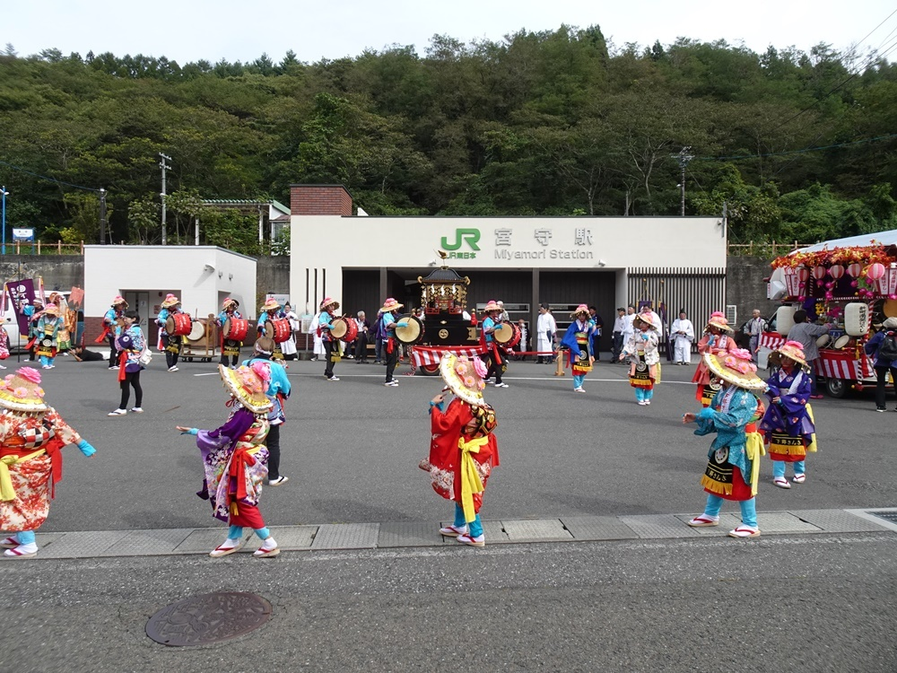砥森神社例祭(御輿渡御)_c0111229_19145411.jpg