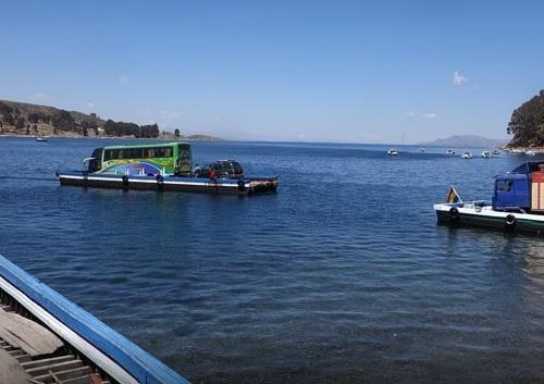 チチカカ湖上でチチカカワカサギをいただきました_c0030645_10522622.jpg