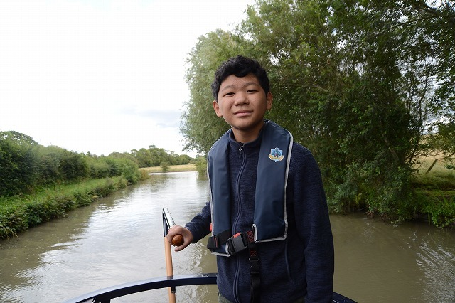 家族でグランドユニオン運河へ 3日目 Crick~Napton_c0027849_21375259.jpg