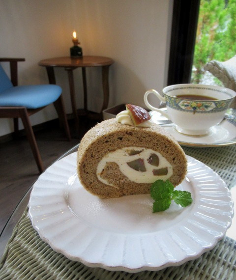 Cafe Patra/カフェパトラ * 9月のぶどうのパフェと栗のロールケーキ♪_f0236260_22192663.jpg