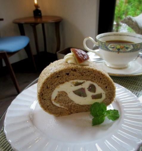 Cafe Patra/カフェパトラ * 9月のぶどうのパフェと栗のロールケーキ♪_f0236260_22195571.jpg