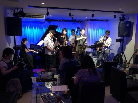 広島 Jazzlive Cominジャズライブカミン 10月1日のライブは外せません!_b0115606_12144968.jpeg