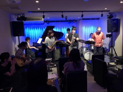 広島 Jazzlive Cominジャズライブカミン 10月1日のライブは外せません!_b0115606_12160837.jpeg