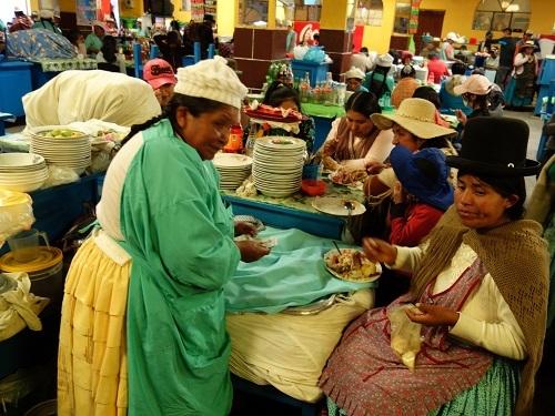 コパカバーナのメルカド食堂街でSAJTA DE POJJO (サクタ・デ・ポジョ)_c0030645_09475221.jpg