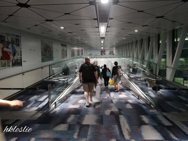 香港國際機場到着_b0248150_05221803.jpg
