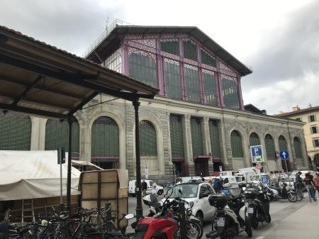 スモークサーモン専門店が中央市場広場にできたよ♪_a0136671_01120417.jpg