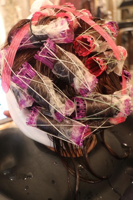 髪に体力があればくるっとしたパーマも。_b0210688_14270868.jpg
