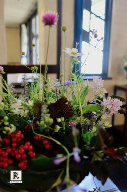 みなさまのおかげで、 無事に展示会「明日館に花を飾る」が出来ました。_c0128489_21094773.jpg