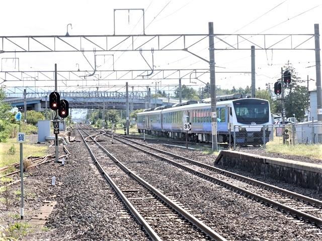 藤田八束の鉄道写真@青森県の鉄道五能線、日本海をはしるリゾート列車「しらかみ」と川辺駅・・・人生いろいろ_d0181492_16001247.jpg