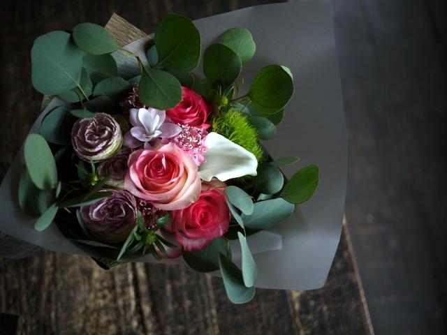 お誕生日の女性への花束。「バラを入れて」。2019/09/29。_b0171193_18515042.jpg