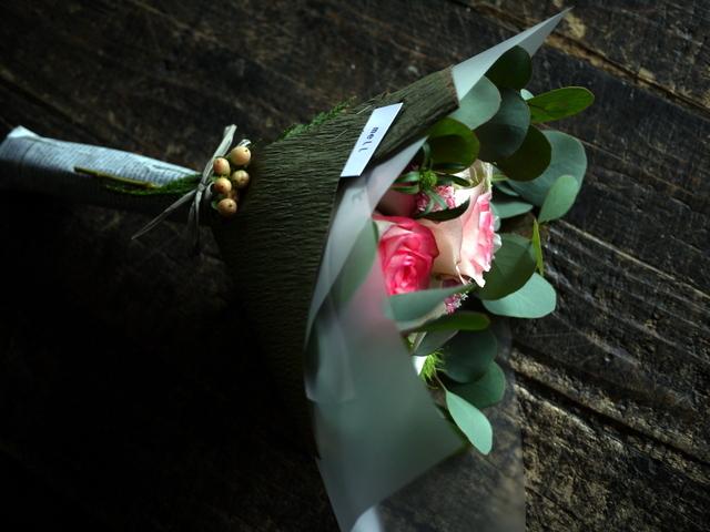 お誕生日の女性への花束。「バラを入れて」。2019/09/29。_b0171193_18515537.jpg