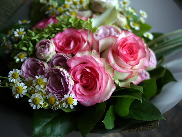 お誕生日の女性への花束。ピンク系。2019/09/29。_b0171193_18570811.jpg