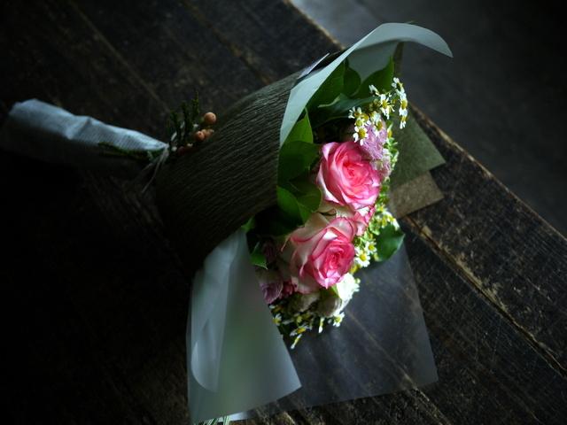 お誕生日の女性への花束。ピンク系。2019/09/29。_b0171193_18571102.jpg