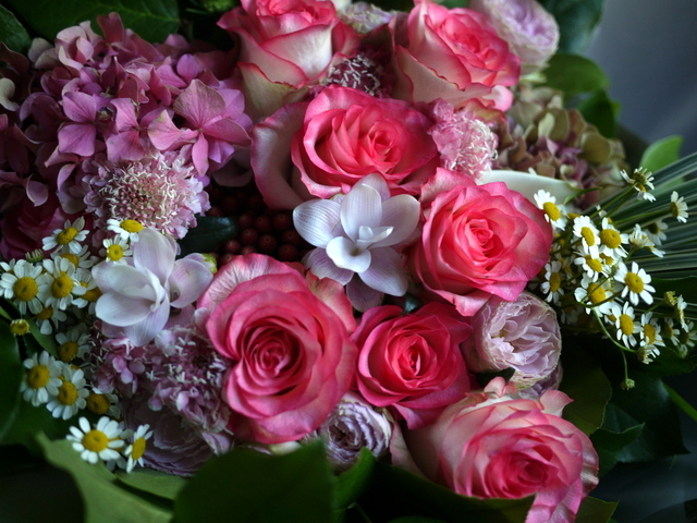 女性へのプレゼントの花束。2019/09/29。_b0171193_18583788.jpg