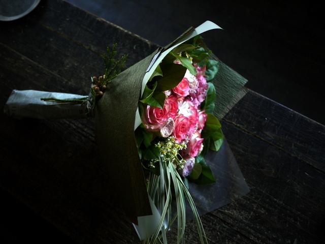 女性へのプレゼントの花束。2019/09/29。_b0171193_18584242.jpg