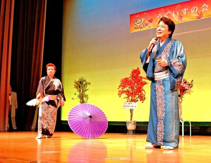 秋岡秀治オンステージ歌に舞踊に盛り上げていただきました!_b0083801_23114521.jpg