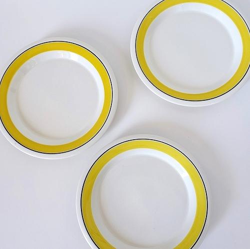 黄色いラインが素敵に演出_f0275103_14294084.jpg