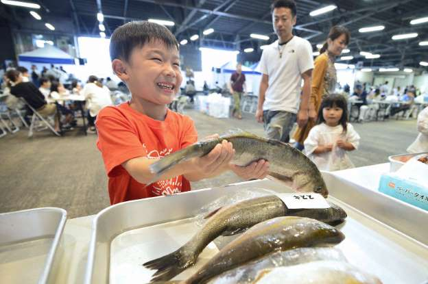 「福島県産の水産物は安全」 年内に4会場でアピール _b0064113_1575266.jpg