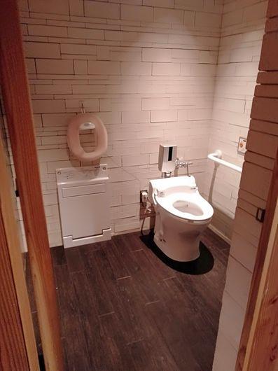 一つ一つ違うトイレ_c0162128_20180209.jpg