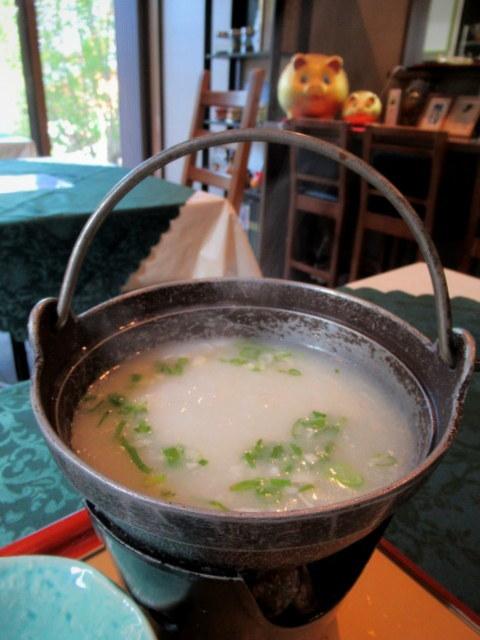 Asian Table Móng Cái(アジアンテーブル モンカイ)* 薬膳中華がベースのアジアン朝食♪_f0236260_00245594.jpg