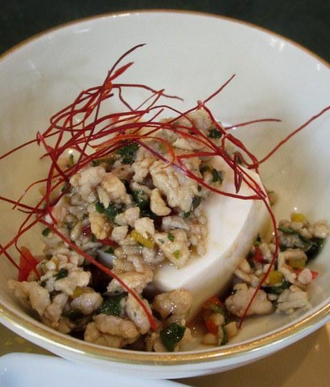 Asian Table Móng Cái(アジアンテーブル モンカイ)* 薬膳中華がベースのアジアン朝食♪_f0236260_00263208.jpg