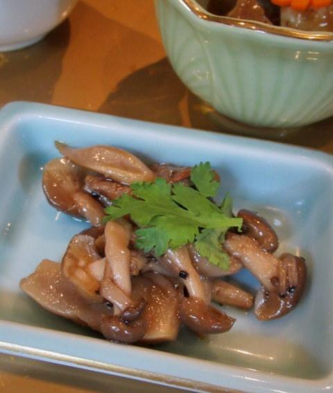 Asian Table Móng Cái(アジアンテーブル モンカイ)* 薬膳中華がベースのアジアン朝食♪_f0236260_00272548.jpg