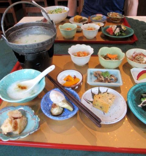 Asian Table Móng Cái(アジアンテーブル モンカイ)* 薬膳中華がベースのアジアン朝食♪_f0236260_00292473.jpg