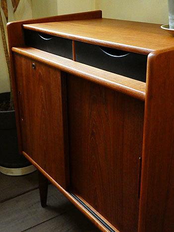 Cabinet_c0139773_23243900.jpg