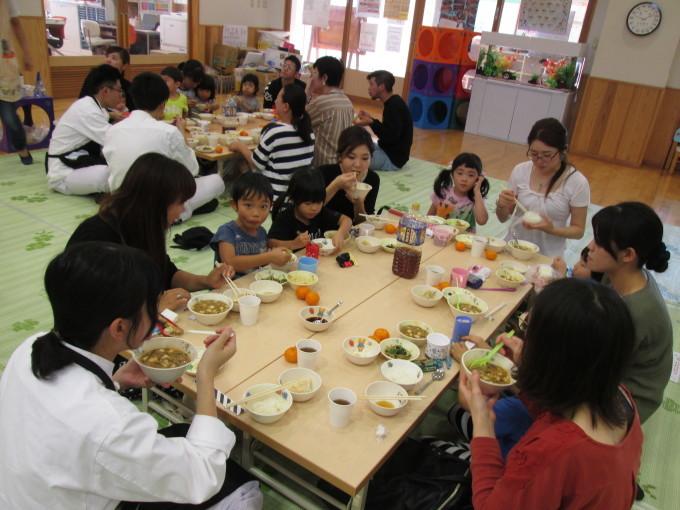すいせん組・親子クッキング参観「みんなで餃子作ったよ~!」_f0195982_17320790.jpg