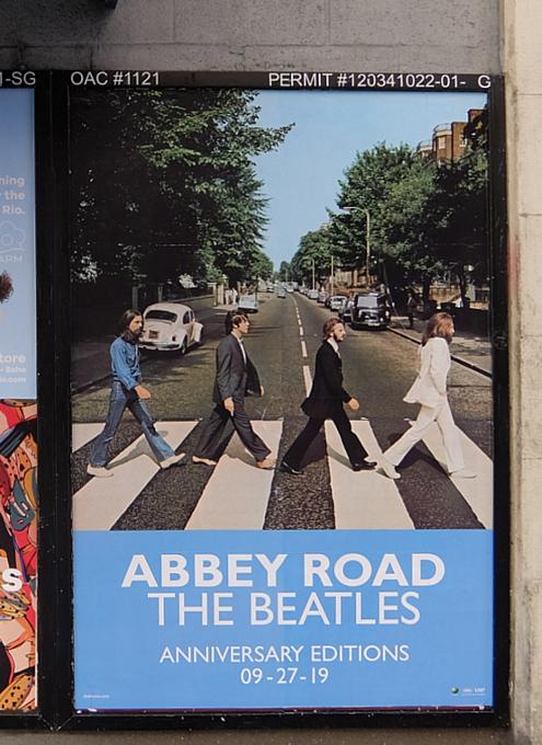 NYの街角で見かけたビートルズ『アビイ・ロード』(Abbey Road)50周年アニバーサリー版のポスター_b0007805_04401210.jpg