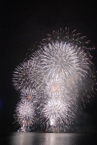 花火を音で観ました。_c0195909_12294607.jpg