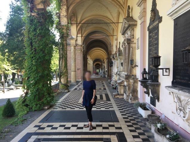 ヨーロッパでいちばん美しい墓地_b0366211_08194657.jpeg