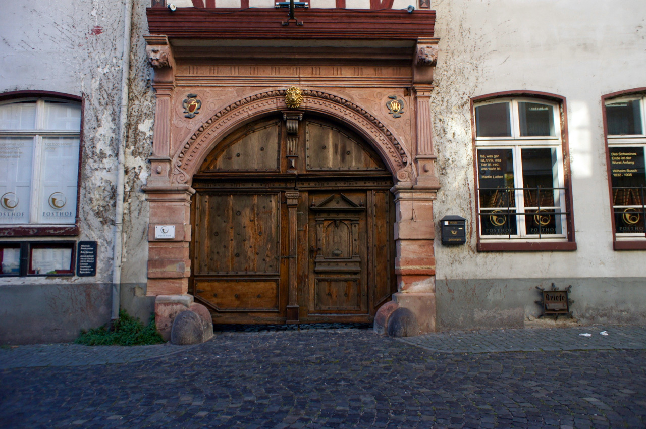 古い町並みの文字と看板(1)Bacharach_e0175918_00472037.jpg