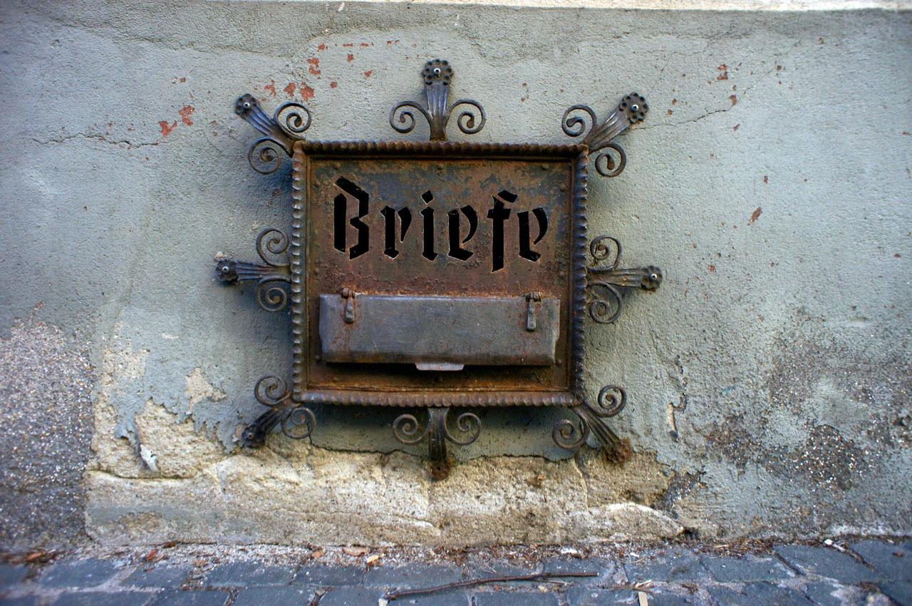 古い町並みの文字と看板(1)Bacharach_e0175918_00472176.jpg