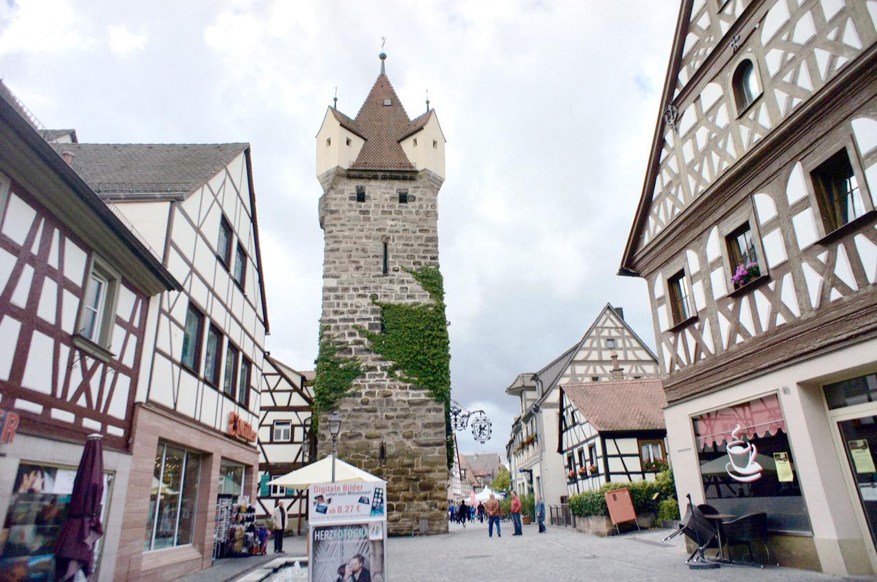 古い町並みの文字と看板(2)Herzogenaurach_e0175918_04395512.jpg