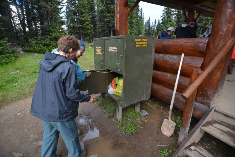 【2019年最新版】ベアカントリー・カナダ 山でのクマ対策特集。_d0112928_05295760.jpg
