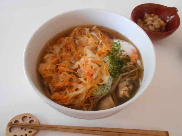 野菜のかき揚げ蕎麦とオーケーストア開店_a0095931_20393397.jpg