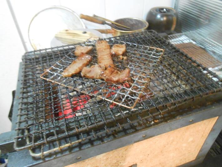 焼肉だ〜。いつものご飯。でも・・・・_a0095931_22302133.jpg