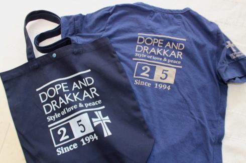 25周年記念Tシャツ発売致します♪_d0108933_18072067.jpg