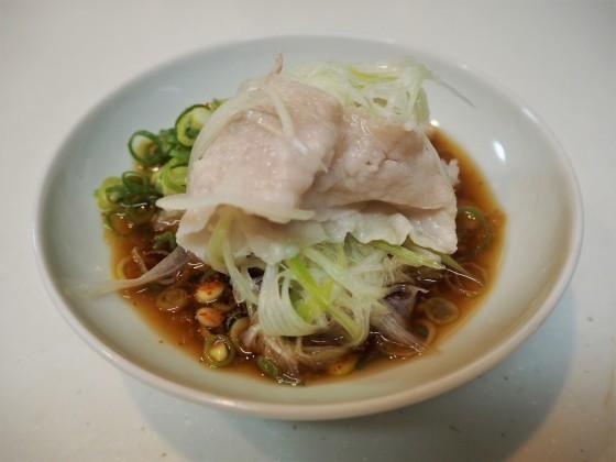 豚しゃぶは細切り野菜が美味し_a0258686_06112660.jpg