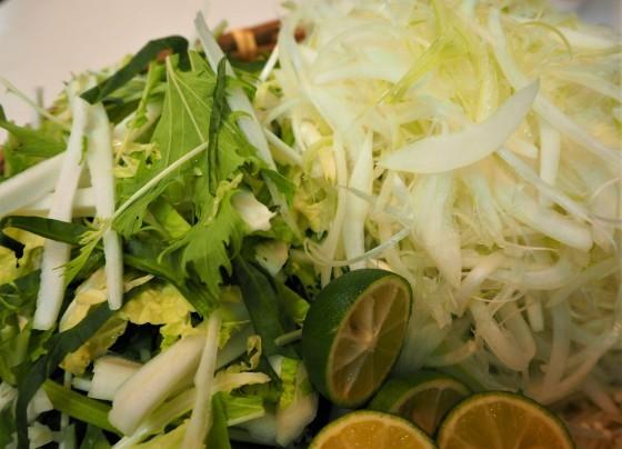 豚しゃぶは細切り野菜が美味し_a0258686_06212022.jpg