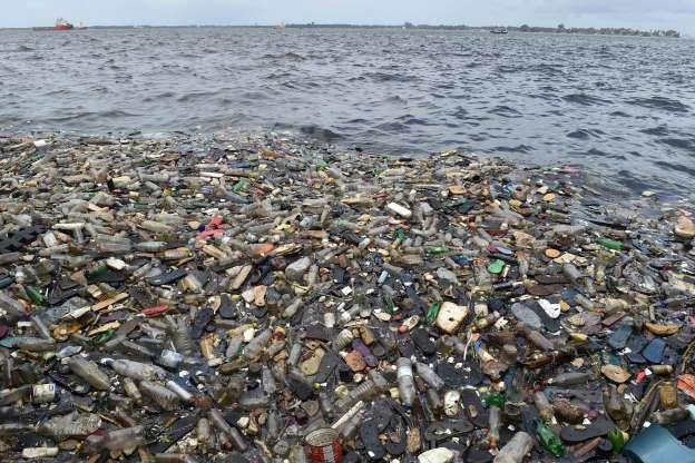 海洋プラごみは中国の商船が発生源か 南大西洋の英領島 研究 _b0064113_838494.jpg