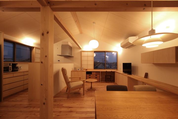 「薬師山の家」竣工写真_b0179213_18143203.jpg