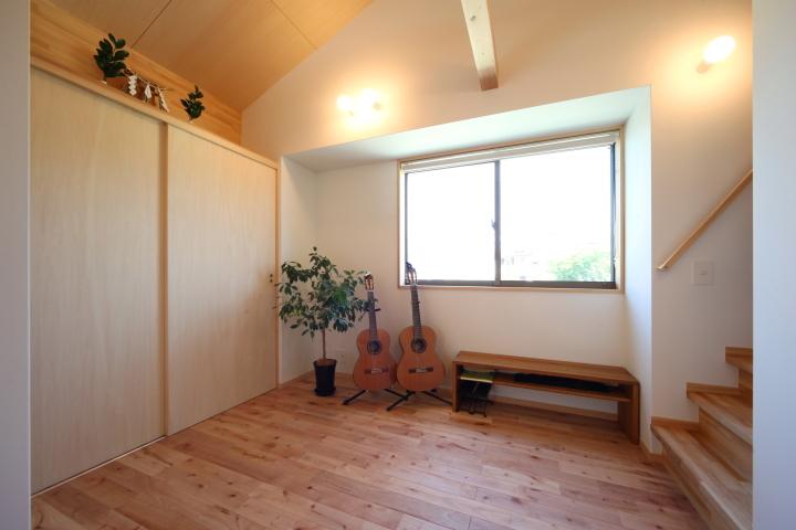 「薬師山の家」竣工写真_b0179213_18145233.jpg
