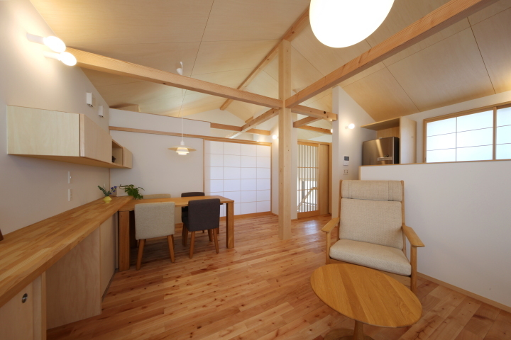 「薬師山の家」竣工写真_b0179213_18152321.jpg